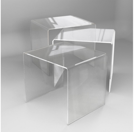 Tris tavolini ad altezza scalare in plexiglass trasparente spessore 5mm