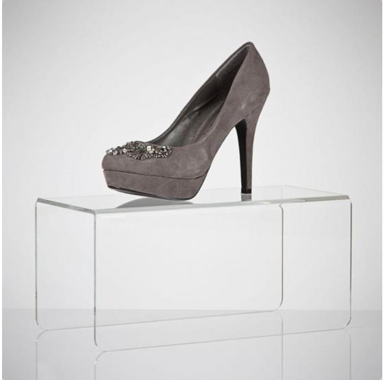 Alzata in plexiglass trasparente per scarpa