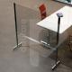Pannello divisorio rialzato in plexiglass e alluminio con ruote