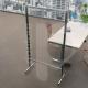 Pannello divisorio alto in plexiglass e alluminio con rotelle