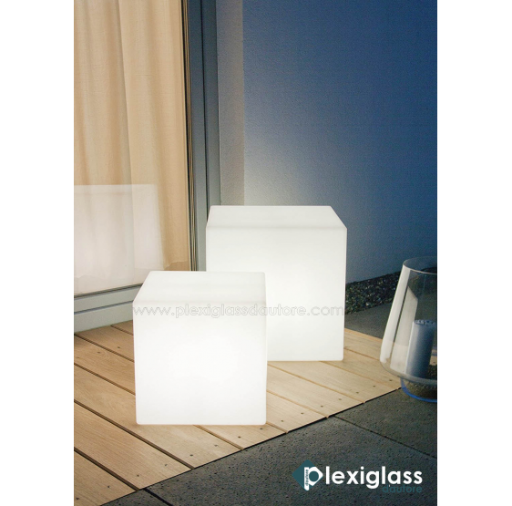 Cubo / comodino luminoso in plexiglass bianco opale