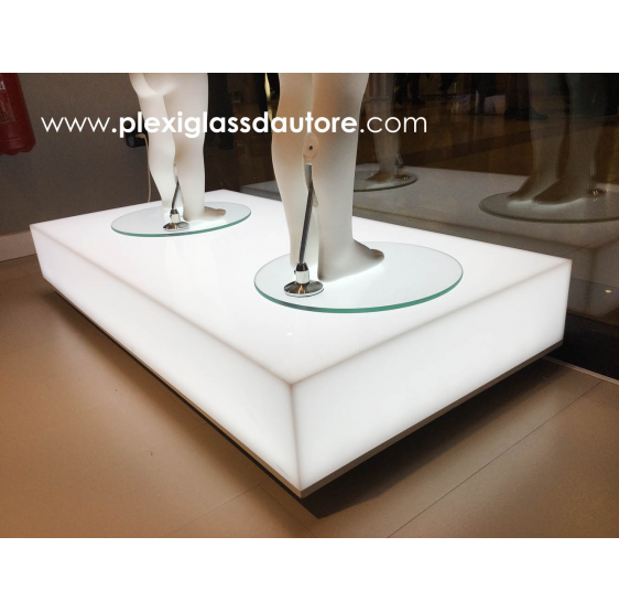 PEDANA  LED per negozi showroom in plexiglass opal white led