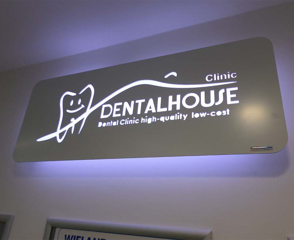insegna light box studio dentistico
